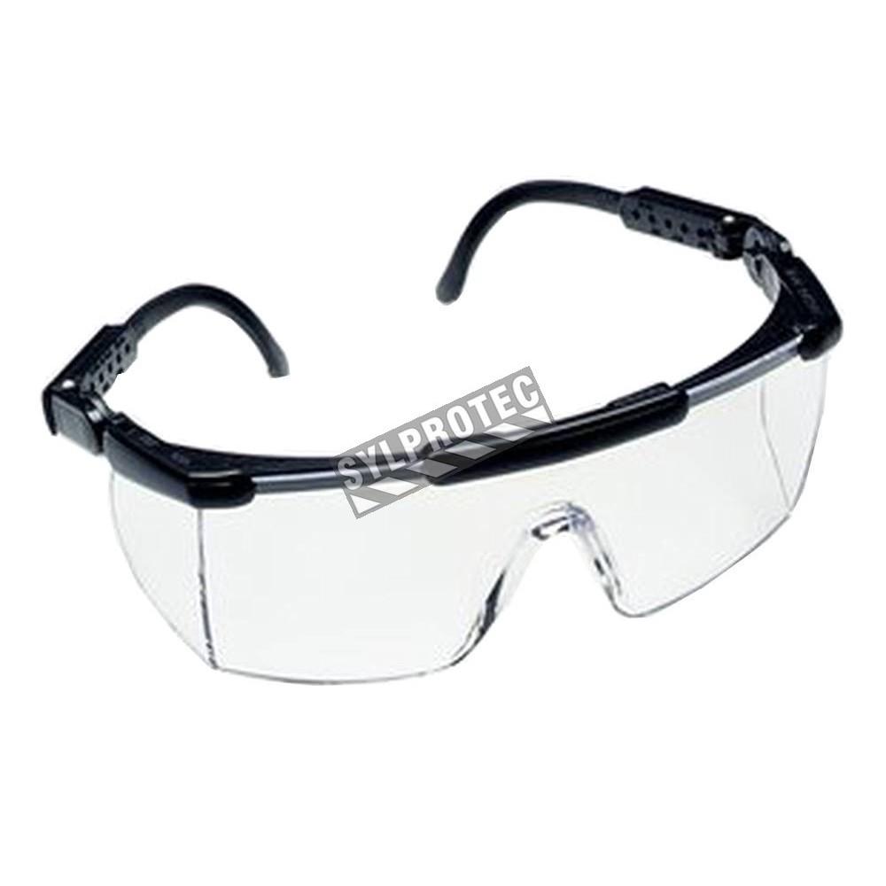 3m nassau protective eyewear for an the glass