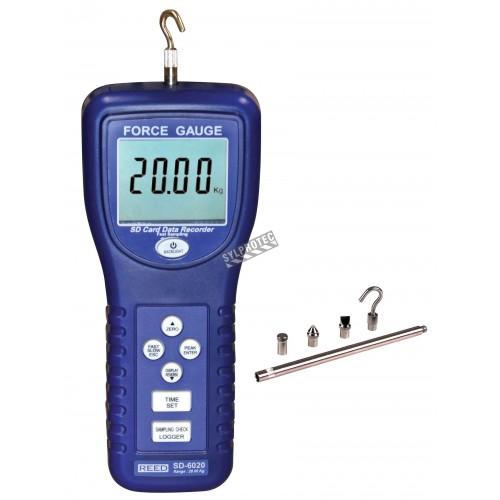 Dynamomètre et enregistreur de données.