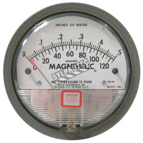 Magnehelic pressure gauge with scale from 0 to 0.5 inches of water (0 to 120 Pa), to indicate differential pressure