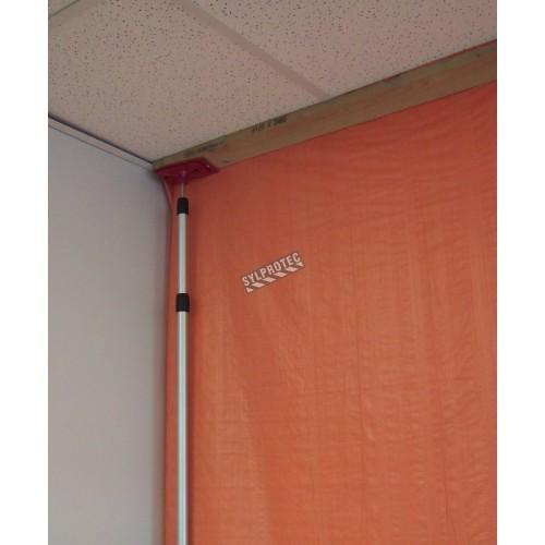Ensemble de supports portatifs ZipWall pour confinement de zones de travaux salissants ou de petite décontamination d'amiante.