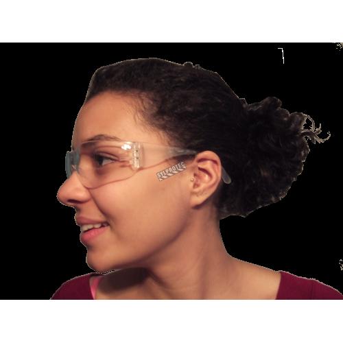 Lunette de sécurité Virtua Max par 3M. Lentille de polycarbonate clair recouvert d'un revêtement antibuée. Homologué CSA.