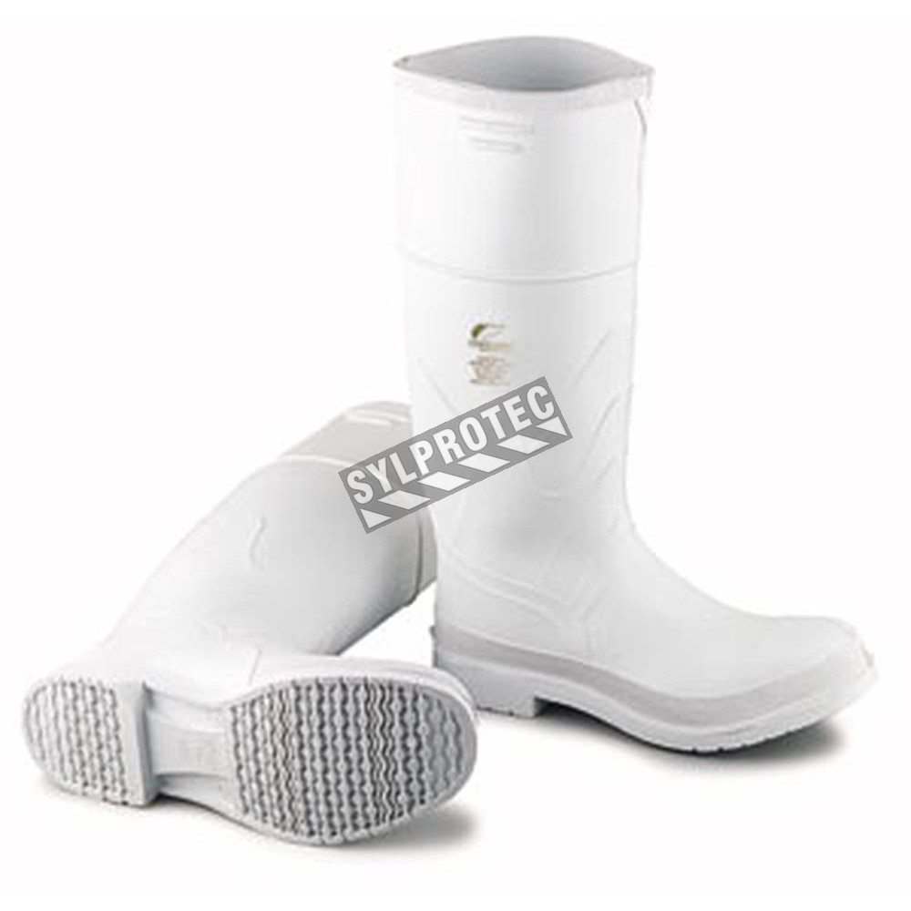 0014c2434de Waterproof white PVC boots with steel toes and anti-slip soles.