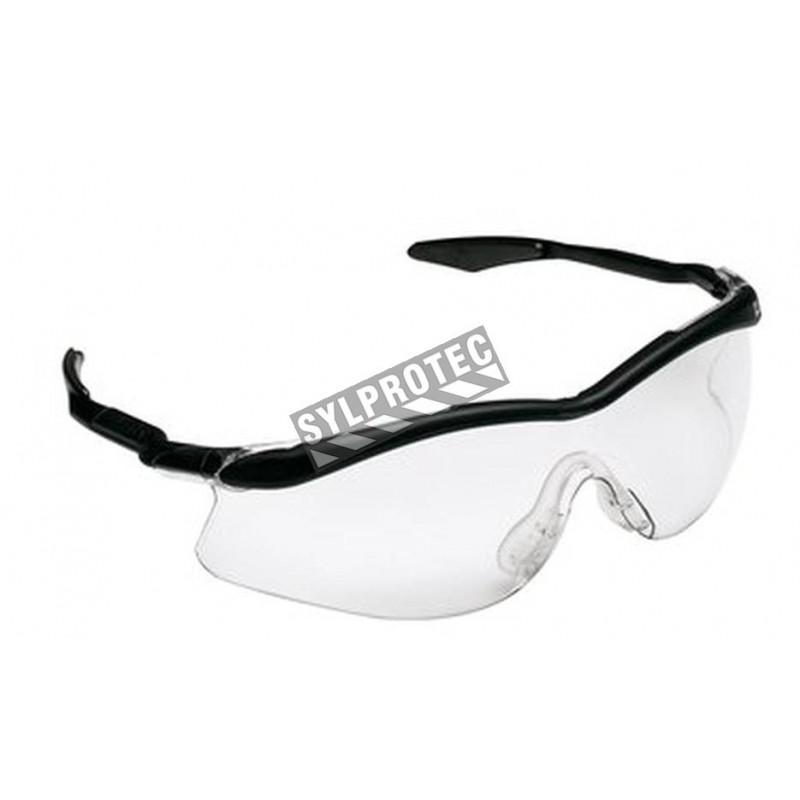 Lunette de sécurité QX 3000 de style sportif par 3M. Lentille en polycarbonate transparent et revêtement antibuée DX de 3M.