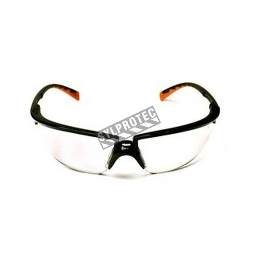 3M Privo protective eyewear with anti-fog treated clear polycarbonate lens. Offers balance between comfort, protection & fashion