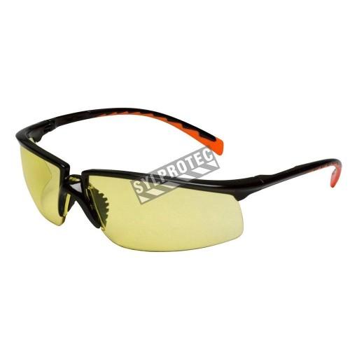 Lunette de sécurité Privo pour protection oculaire par 3M. Lentille de polycarbonate ambré & revêtement antibuée. Homologué CSA