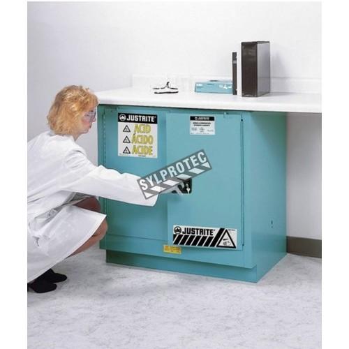 Armoire encastrable pour liquides acides et corrosifs. Capacité 22 gallons US (83 L). Approuvée FM.