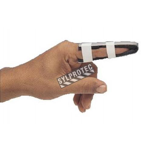 Finger splint, pediatric format, 3.5 in (9 cm).