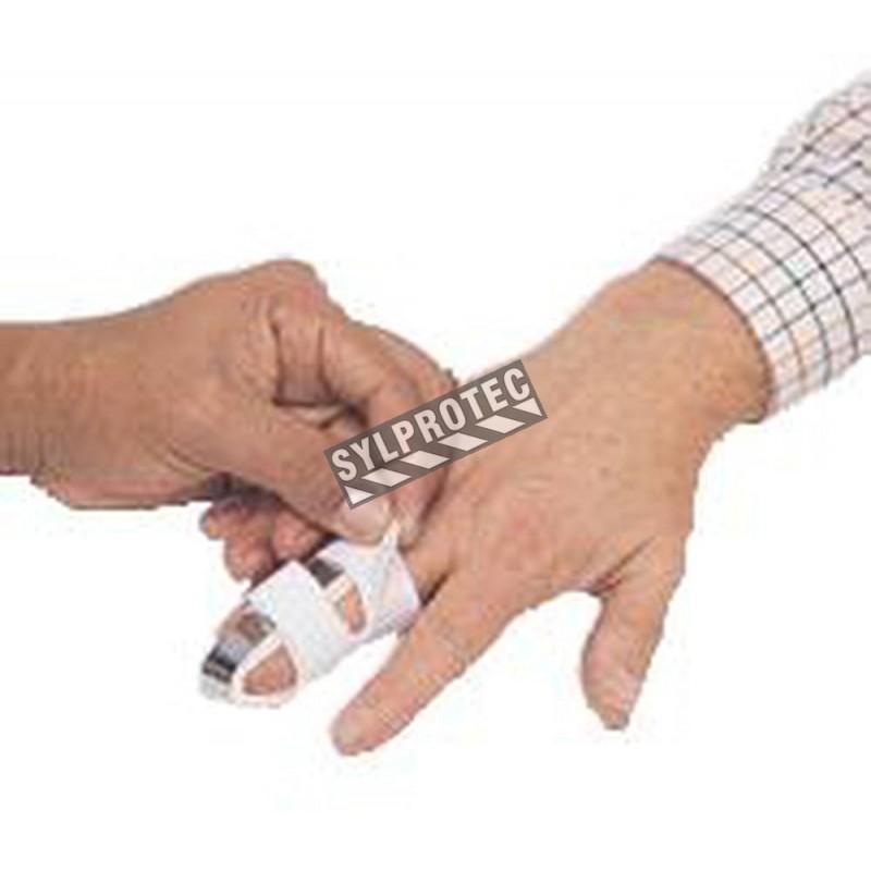 Finger splint, short format, 4.5 in (11.5 cm).