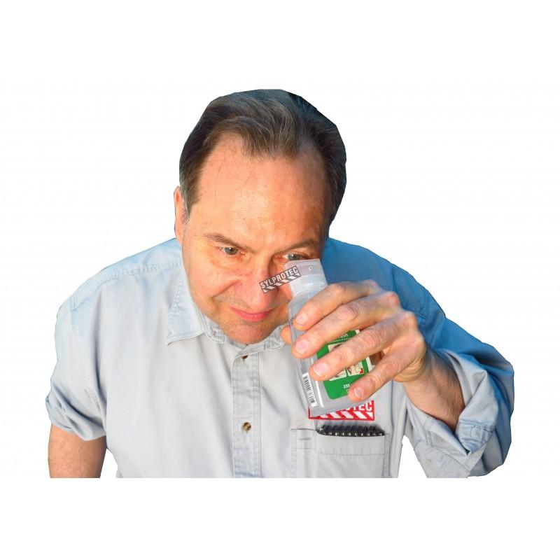Solution Cederroth pour lavage oculaire d'urgence.