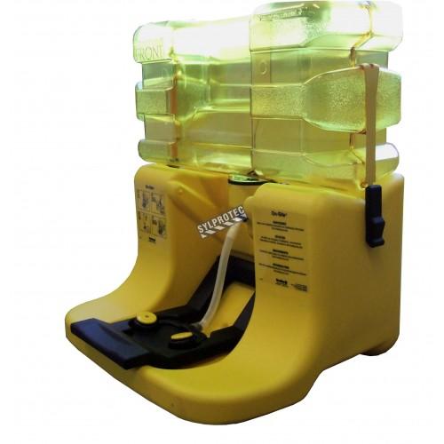 Bradley portable gravity-fed eyewash station, 7 gallons (26.5 L), certified ANSI Z358.1-2009.