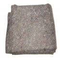 50% wool and polyester emergency rescue and disaster blanket, 150 x 210 cm (59 x 83 in).