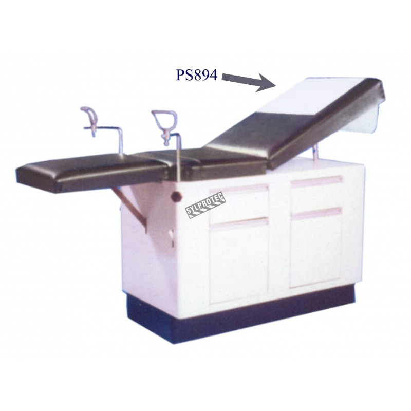 Roll of smooth paper for medical examination table, 46 cm x 64 m.