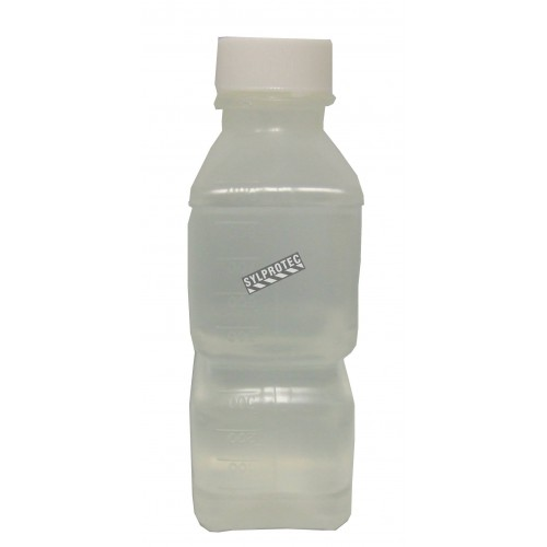 Eau stérile pour irrigation dans une bouteille en PVC