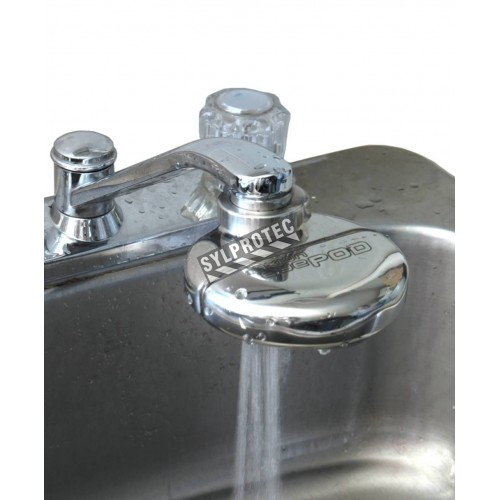 eyePod faucet-mounted eyewash with anti-scald valve, ANSI Z358.1 compliant.