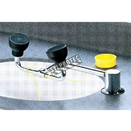 Douche oculaire et faciale pivotante pour évier de laboratoire, approuvée ANSI Z358.1-2009.