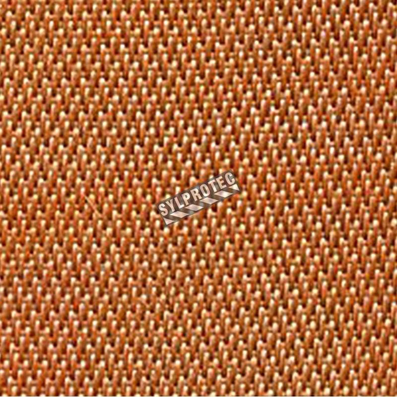 Ago-Sil, vendu au pied carré, un tissu résistant à l'abrasion, très malléable et peu poussiéreux à l'usage.
