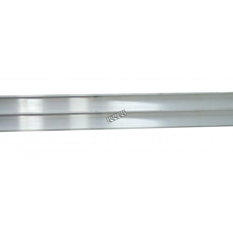 Rail extra durable en aluminium, vendu au pied linéaire.