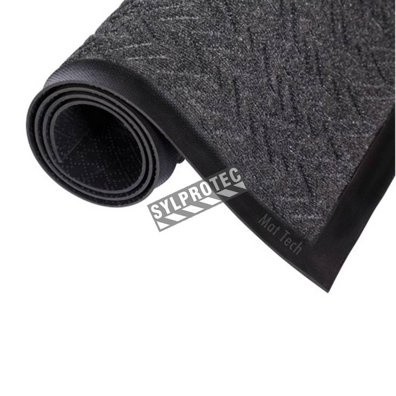 Carpette d'entrée de marque Ecoplus, 3/8 po, gris foncé, faite avec des matériaux recyclés.