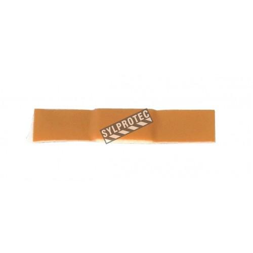 Junior plastic bandages, 1 x 3.8 cm (3/8 x 1.5 in), 50/box.
