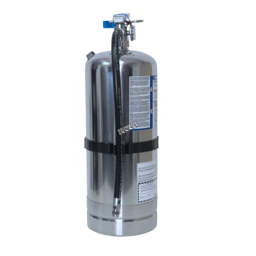 Portable fire extinguisher 1.6 gallons, type AK, ULC 2AK, with wall hook. Ideal for commercial kitchens and restaurents.