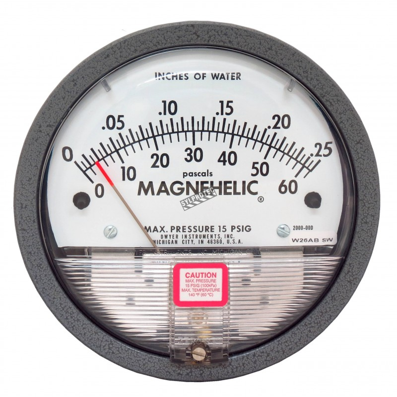 Magnehelic S2000 pressure gauge with scale from 0 to 0.25 inches of water (0 to 60 Pa), to indicate differential pressure