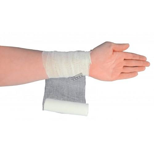 Rouleau de bandage de gaze stérile, 4 po x 30 pi, vendu à l'unité.
