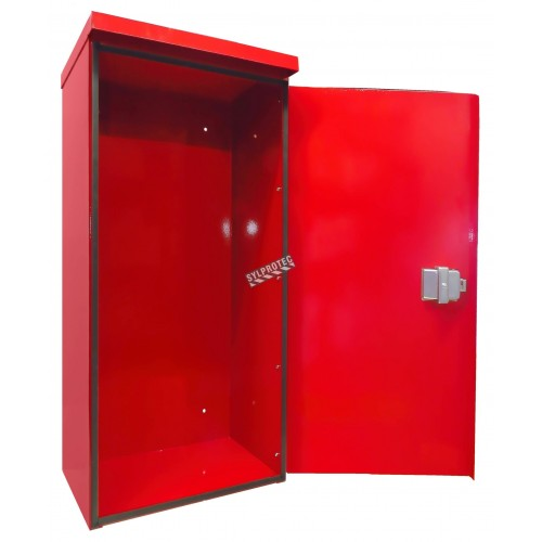 Surface-mounted outdoors steel fire cabinet for 10 lbs extinguishers.