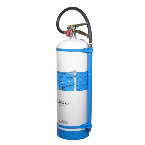 Portable fire extinguisher with demineralized water 2.5 gallons, type AC, ULC 2AC, with wall hook.