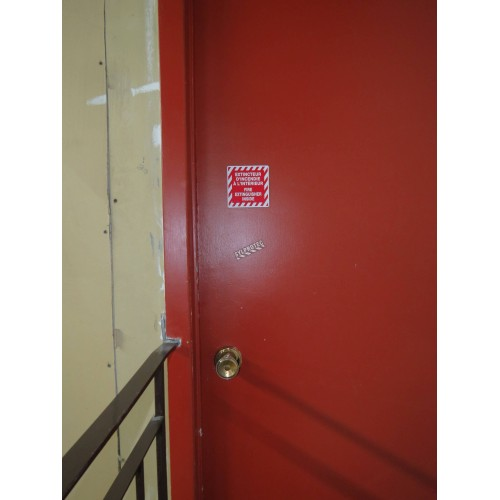 "Bilingual self-adhesive vinyl ""Extincteur d'incendie à l'intérieur Fire extinguisher inside"" fire safety sign"