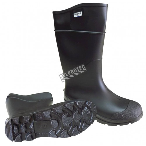"Waterproof boots made of black PVC, the upper of the boot is 16 ""(41 cm). Not approved CSA."