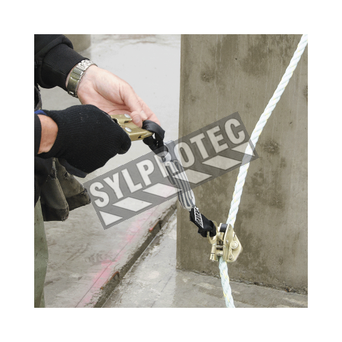E4  steel automatic panic lock rope grab with energy absorber and standard snap hook. Use with  rope/cable of 5/8 in diameter