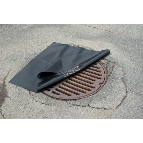 Toile en néoprène 36 x 36 po. pour protéger les égouts pluviaux.