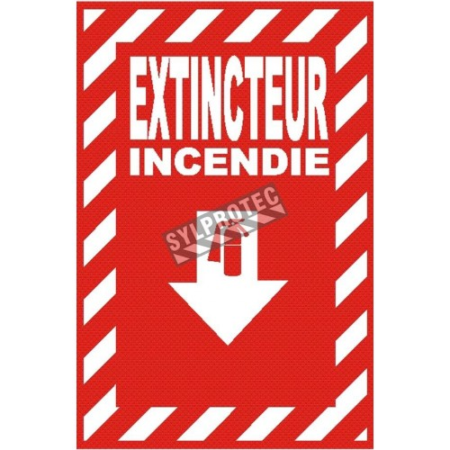"French ""Extincteur Incendie"" -sign of various sizes and different materials."