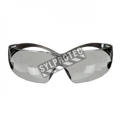 Lunette de sécurité SecureFit pour protection oculaire de 3M. Lentille grise antibuée pour protection contre les éblouissements