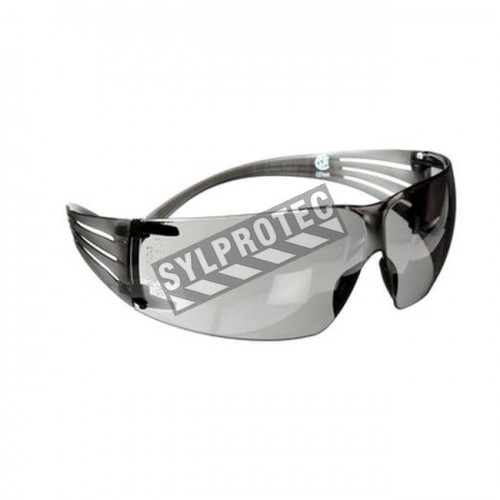 3M SecureFit protective eyewear with anti-fog treated grey polycarbonate lenses for protection from outside glare and hazes.