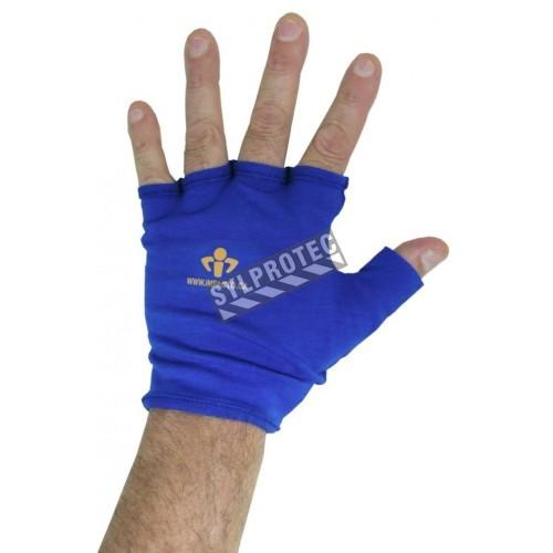 Gants anti-impact d'Impacto sans doigts, utilisé comme doublure.
