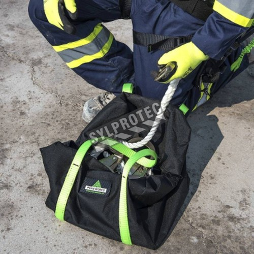 Heavy-duty equipment bag w/zipper closure & wrap-around carrying straps 18-in.L x 9-in.W x 10-in.H