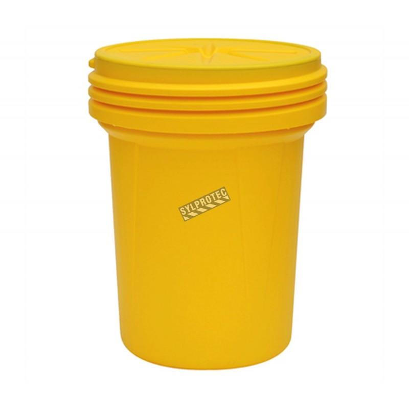Ensemble pour déversement d'huiles et hydrocarbures, 30 gallons US (114 L), dans un baril refermable.