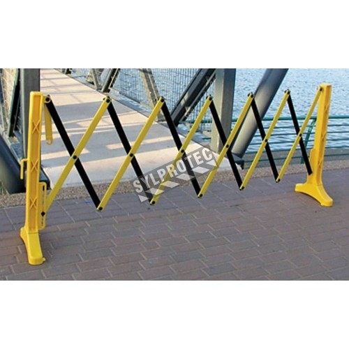 Expandable safety barrier, 11 1/2 feet (3.5 m), made of yellow polypropylene.