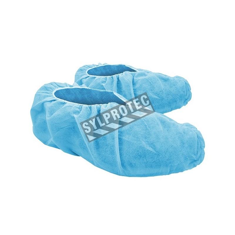 Couvre chaussure bleu en polypropylène avec antidérapant, grandeur large, paquet de 100 unités.