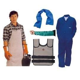 Vêtements contre la chaleur et accessoires rafraichissants